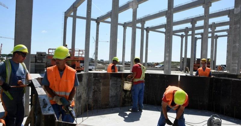 Külföldi építkezések – 25 ezer magyar dolgozik kint